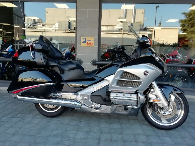 Honda GL1800 Gold Wing (2012 - 17)
